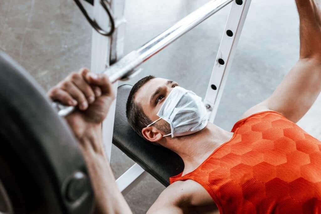 allenamento e mascherina